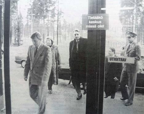 Presidenttiparin vierailuun kuului käynti Reima Oy:ssä. Reimalta vierailu jatkui muun muassa Niinisalon YK-koulutuskeskuksessa.