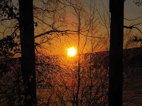 Aurinko saattaa näyttäytyä Satakunnassa tiistaina ja keskiviikkona iltapäivällä.