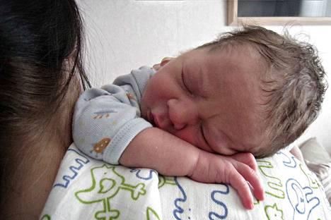 Kirjoittaja toteaa, että nyt syntyvät lapset tulevat elämään maailmassa, jota on mahdoton ennustaa tai ajatella.