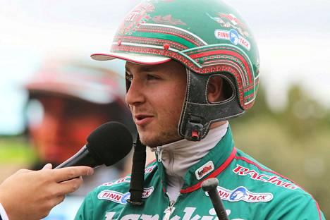 Hannu Torvinen ajoi kaksi voittoa Teivossa tiistaina.