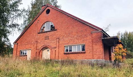Nokian kartanon alueella sijaitseva vanha navettarakennus etsii uutta omistajaa. Nokian Uutiset kertoi vuonna 2018, että ensimmäiset asunnot valmistuisivat rakennukseen kesällä 2019. Näin ei kuitenkaan tapahtunut ja nyt rakennukselle etsitään uutta omistajaa.
