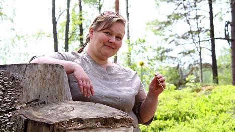 Petra Pikkanen tunnetaan Valkeakoskella monesta hankkeesta ja projektista. Matkailun ohjelmapalveluyrittäjänä hän on esimerkiksi vienyt ulkomaisia matkailijoita tutustumaan valkeakoskelaiseen luontoon.