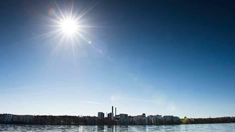 Loppuviikolla nähty lämmin ja aurinkoinen sää jatkuu Pirkanmaalla vielä alkuviikkoon saakka.