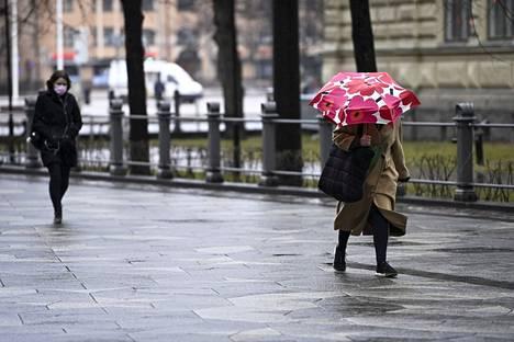 Uusimman sääennusteen mukaan ilma lämpenee Suomessa vasta ensi viikonlopun jälkeen.
