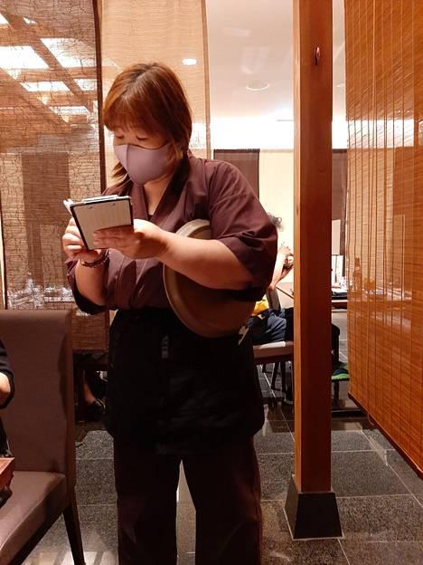 Ravintolan tarkoilijana kymmenisen vuotta työskennellyt Naoki Kashiwa toivoo Japanin löytävän uuden suunnan olympialaisten tuella.