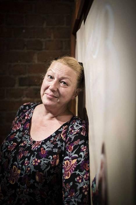 Näyttelijä Tanjalotta Räikkä on tämän vuoden katsonut teatteriesityksiä ja taas lisää teatteriesityksiä Teatterikesän taiteellisessa johtoryhmässä.