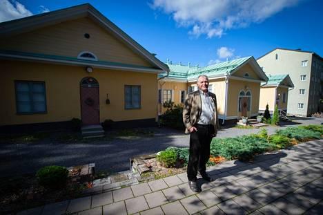 """""""Hyvin suunniteltu yhteisöllinen senioriasuminen auttaa pitämään huolta ikäihmisten fyysisestä kunnosta ja henkisestä vireydestä. Näin ei pudota niin nopeasti tehostetun avun piiriin"""", sanoo Seppo Malmi."""