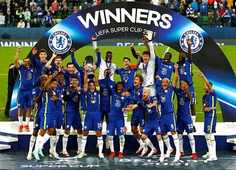 Chelsea juhli Supercupin voittoa.
