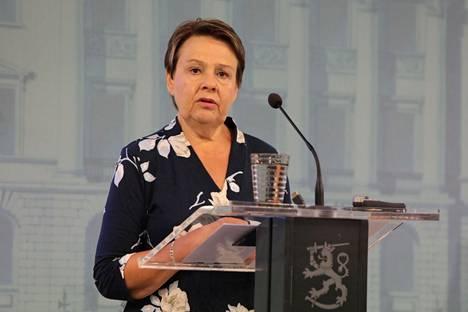 Sosiaali- ja terveysministeriön kansliapäällikkö Kirsi Varhila kertoi epidemiatilanteesta STM:n ja THL:n tilannekatsauksessa elokuussa 2020.