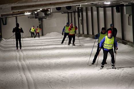 Jämin hiihtotunnelilla on oma uskollinen asiakaskuntansa. Tunnelin kovin sesonki kestää yleensä loka–marraskuun ajan, mutta viime talvena sesonki venyi tammikuun loppuun asti.
