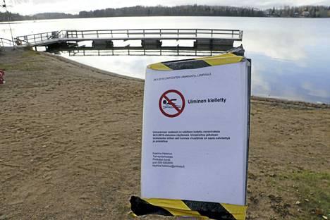 Lempoisten uimarannalta löydettiin norovirusta vuonna 2018. Vedestä löytyi virusta myös toukokuussa tehdyissä testeissä.