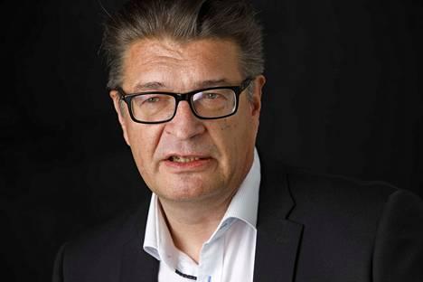 """""""Pron hallinto hyväksyi neuvotteluratkaisun, vaikkakaan ei tyytyväisenä. Erityisesti työaikaratkaisu on hankala"""", kertoo Pron puheenjohtaja Jorma Malinen."""