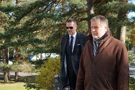 Näyttelijä Ville Virtanen (vas) on Jukka Virtasen poika.
