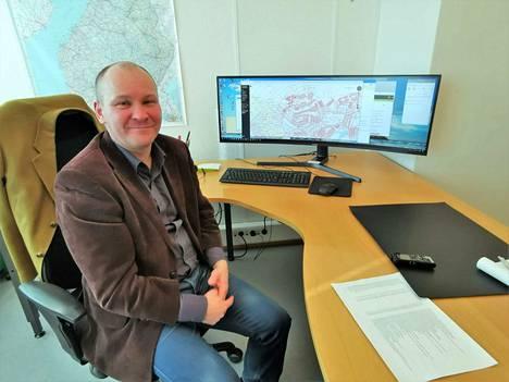 Tontti-insinööri Jani Kiiskilä sanoo, että kaupunginhallitus määrittelee tonttien hintatason. Hintaa määriteltäessä on tehty kuntavertailuja. Moniin Tampereen seudun lähikuntaan verrattuna Valkeakosken erityisen tiivis keskusta on ollut yksi hintatasoa korottava tekijä.