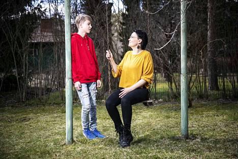 Taru Isoviidan esikoinen Jesse (kuvassa) oli 9 kuukautta vanha ja kuopus Jami oli vielä vatsassa, kun suhde lasten isään otti yllätyskäänteen.