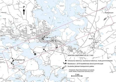 Markku Pohja ja Juhani Soimasuo laativat venäläisten pommikoneiden reitin 20.1.1940 nykyisen Mäntän peruskartalle pommitusjälkien perusteella. 80 vuotta sitten kaupungin asutus ei ollut levinnyt näin laajalle.