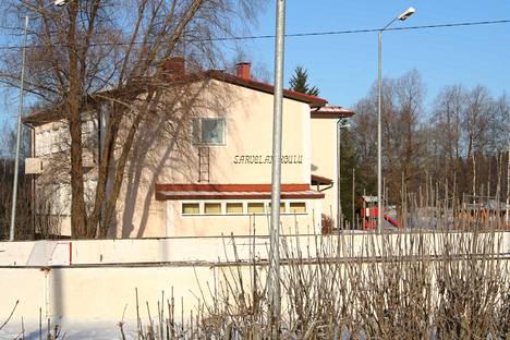 Sarvelan koulu on heräämässä eloon yrityksen tarpeisiin 37 500 euron kauppahinnalla.