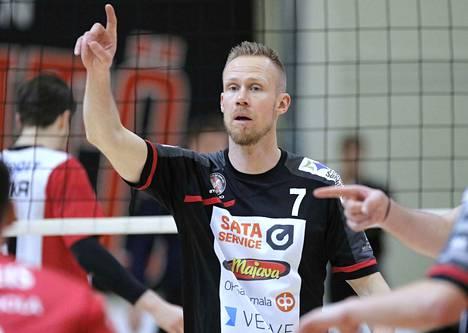 Mikko Esko kuormitti hyökkääjiä viisaasti.