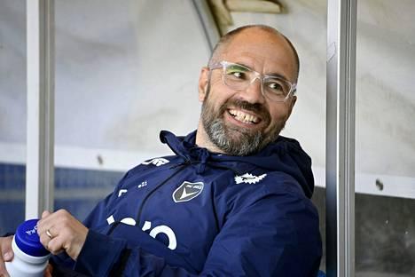 Jyrki Ahola ei ei jatka AC Oulun liigajoukkueen päävalmentajana tämän kauden jälkeen.