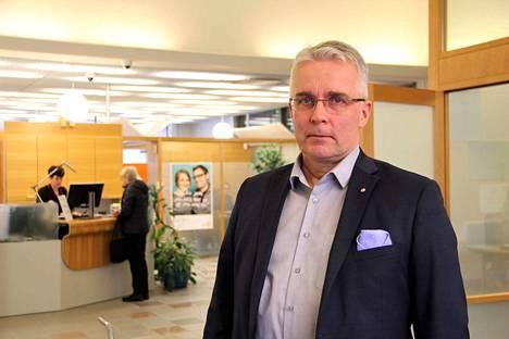 Satakunnan Osuuspankin toimitusjohtaja Olli Näsi korostaa sähköisten asiointipalveluiden roolin korostuneen viime vuonna pankkiasioinnissa.