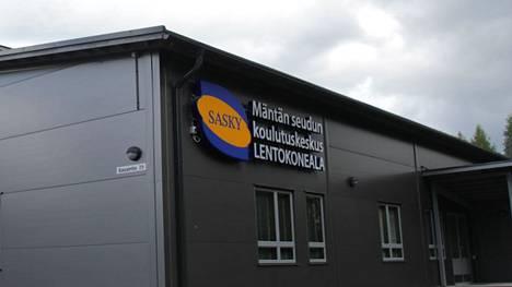 SASKY koulutuskuntayhtymän yhtymäkokous valitsi hallituksen ja sille puheenjohtajat vuosiksi 2021 – 2025. Kuvassa Mäntän seudun koulutuskeskuksen Leko-halli.