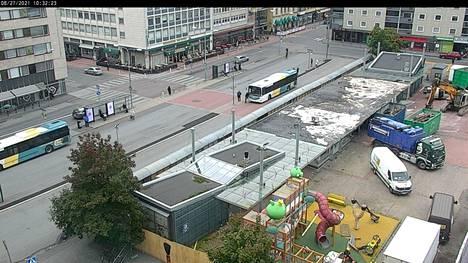 Porin kaupungin nettikamera 27.8 kello 10.35. Purkutyömaa on vasta alussa.