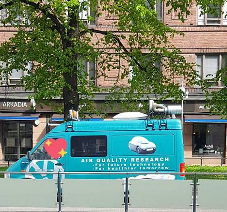 Nuuskija-auto kuvattuna Helsingissä.