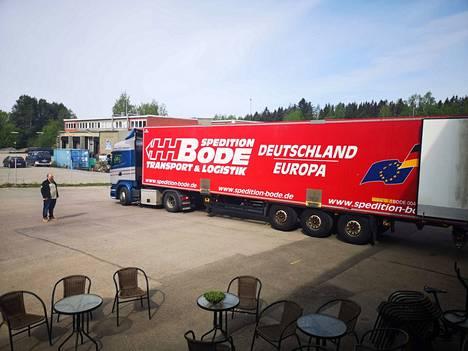 Eurooppaan matkaavat rekat ovat tuttu näky Pyynikin panimolla.