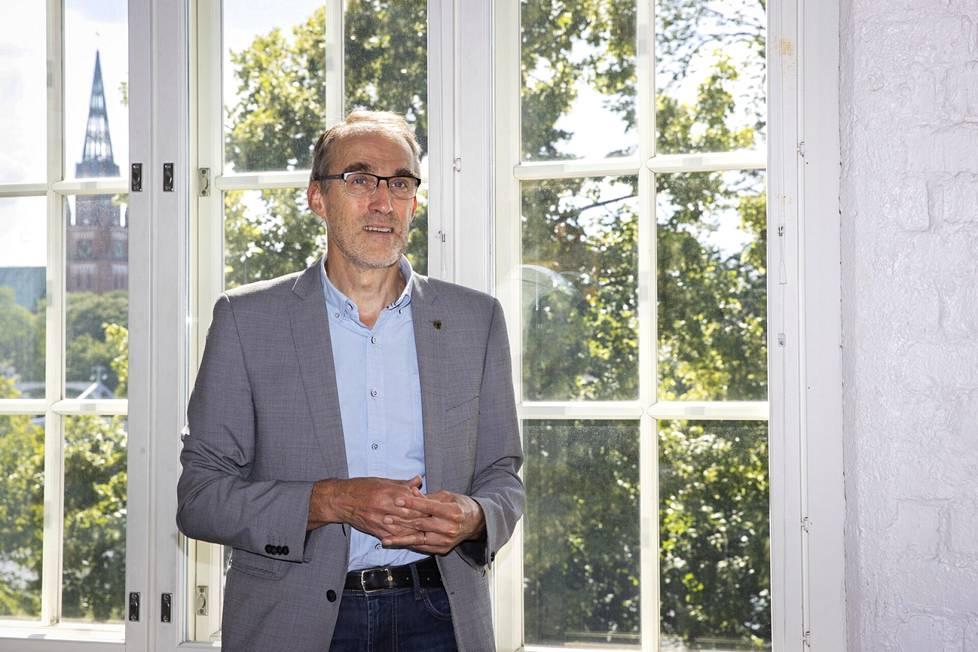 Maakuntajohtaja Asko Aro-Heinilä on Satakunnan soten väliaikaisen valmistelutoimielimen eli vaten puheenjohtaja.