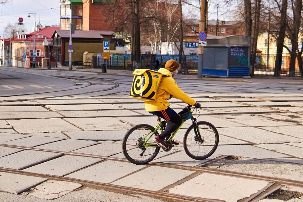 Ruoan tilausmäärät ovat moninkertaistuneet pandemian aikana ja Yandexin palvelu on laajentunut kymmeniin uusiin kaupunkeihin.