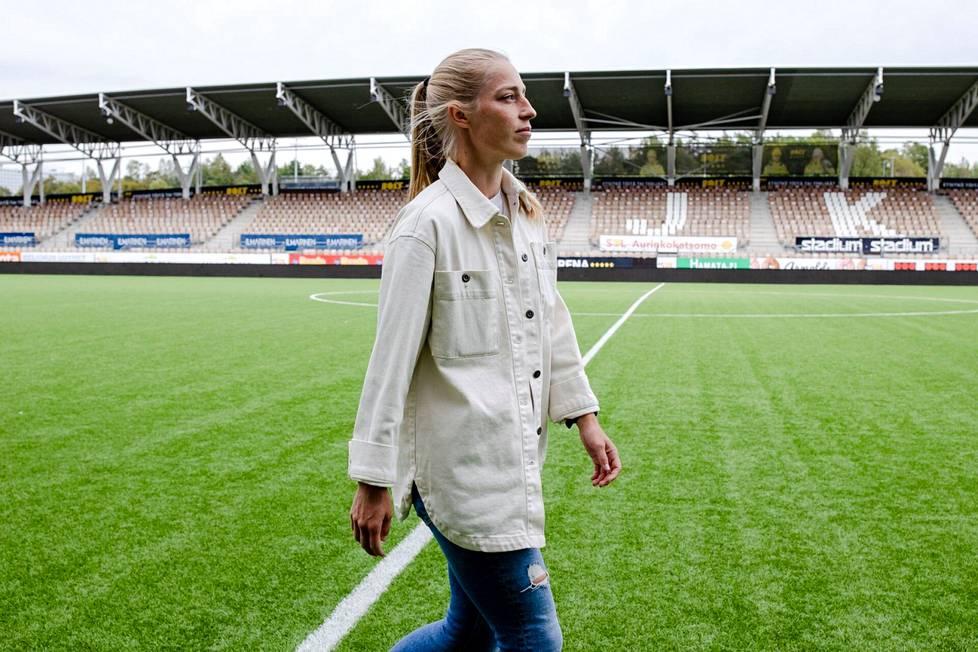 HJK sai Linda Sällströmistä erinomaisen vahvistuksen. Sällströmin paluu kotimaahan oli merkittävä asia koko Kansalliselle liigalle.
