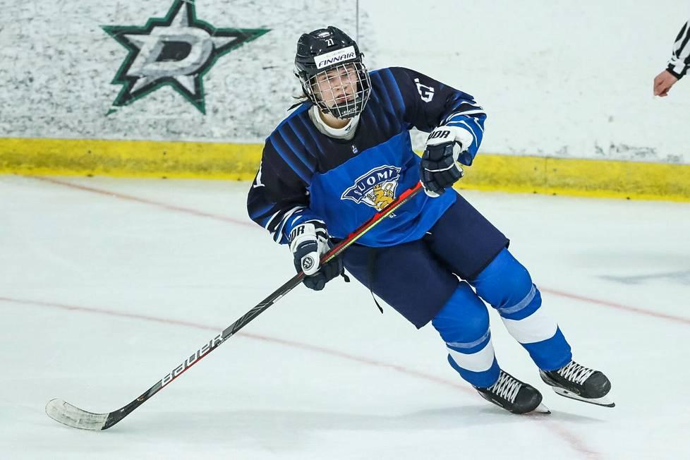 Aleksi Heimosalmi pelasi myös alle 18-vuotiaiden MM-kisoissa Kanadassa. Pronssia voittaneessa joukkueessa Heimosalmi nakutti seitsemässä ottelussa kahdeksan tehopistettä.