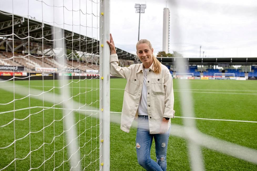 Linda Sällström viihtyy Suomessa ja HJK:ssa.