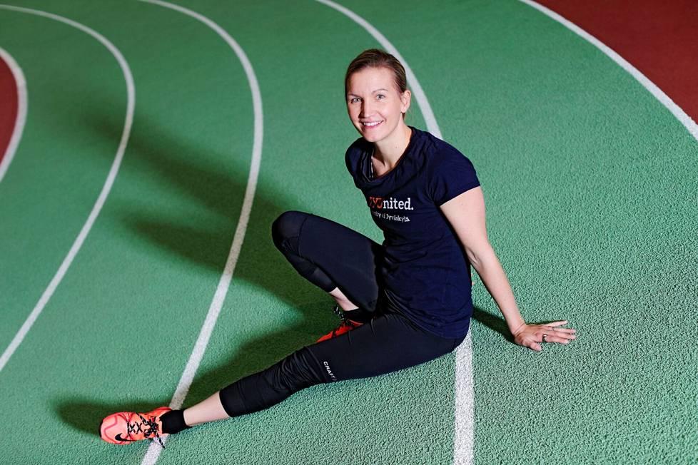 Johanna Ihalainen kertoo, ettei urheilijoiden kutsuminen lihavaksi koske vain painokeskeisiä lajeja.