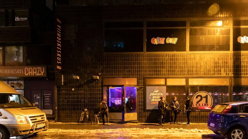 Elektroniseen musiikkiin keskittynyt Twenty One on pystynyt pitämään ovensa auki muuttamalla toimintansa yökahvilaksi rajoitusten puitteissa. Liiketoiminnan jatko näyttää kuitenkin hankalalta, jos tiukemmat rajoitukset jatkuvat pitkään.