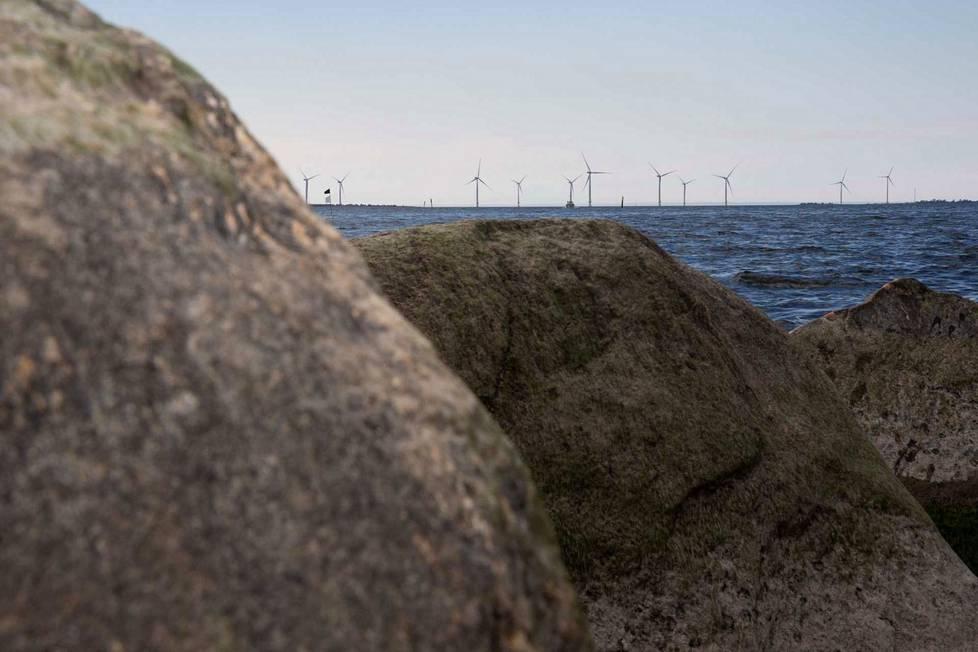 Satakunta ja sen maisema muuttuvat ilmastonmuutoksen mukana. Eri puolille maakuntaa on esimerkiksi rakennettu tuulivoimaloita, joilla tuotetaan ilmastoystävällistä sähköä.