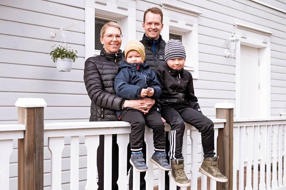 Meeri Saarinen ja Heikki Kaira kokivat helpoksi toimia OP Pohjois-Hämeen sekä OP Kodin kanssa, vaikka välimatkaa oli Helsingistä Keuruulle melkoisesti. Uusi koti Keuruulla, Meerin kotiseudulla on mieluisa asia koko perheelle.