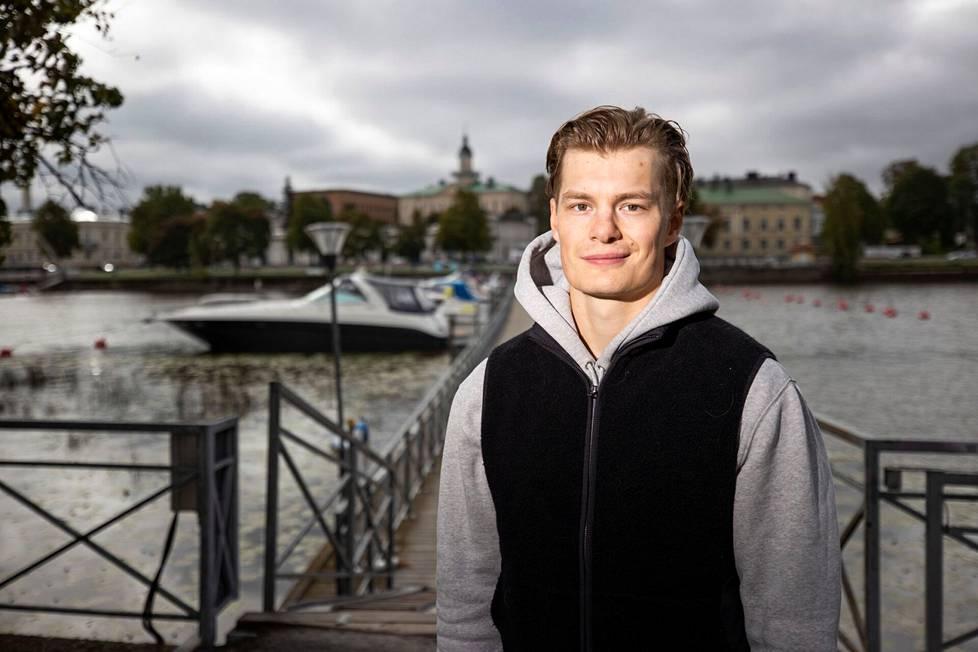 Alexander Ruutulla on ollut kotoinen fiilis Porissa. Kaupunki on Helsingissä kasvaneelle kiekkoilijalle kuin toinen kotikaupunki.