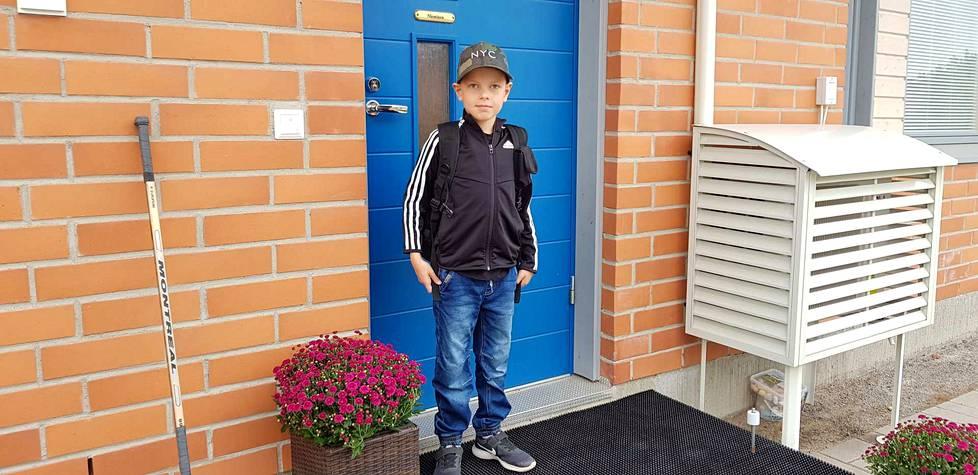 Roope Nieminen on juuri painanut kotioven kiinni. Tästä se alkaa: ensimmäinen koulupäivä!
