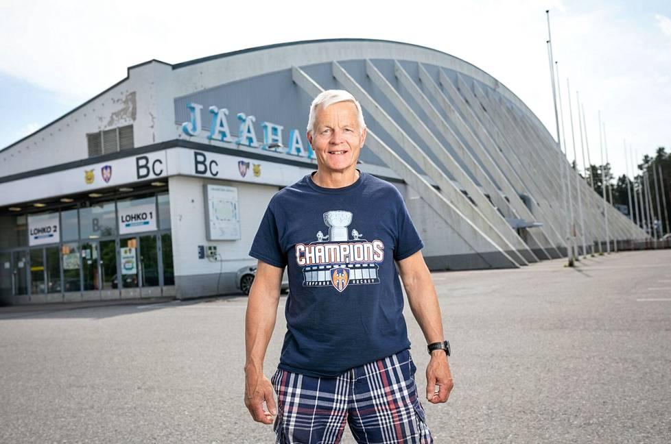 Syntymäpäivähaastattelun kunniaksi Rauno Korpi palasi Hakametsään, jossa hän on saavuttanut kiekkoyleisön parhaiten tuntemat voittonsa.
