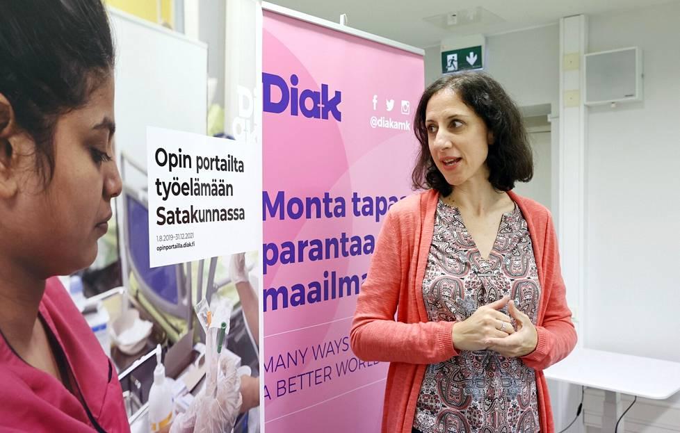 Szilvia Simon-Nagy ollut Diakonia-ammattikorkeakoulun maahanmuuttajille suunnatuissa hankkeissa kolmessa roolissa: opiskelijana, harjoittelijana ja  projektityöntekijänä.