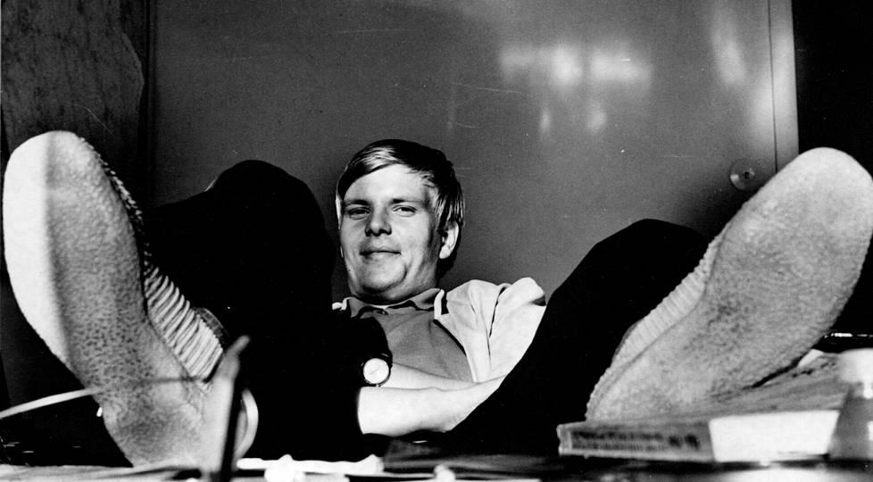 Nuori kesätoimittaja Pekka Kivelä ottaa vähän rennommin Keski-Pohjanmaan toimituksessa.