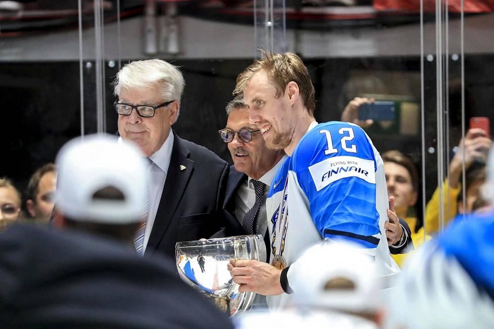 Leijonien kapteenina toiminut Marko Anttila uskoo, että IIHF teki oikean ratkaisun siirtäessään MM-kisat pois Valko-Venäjältä.