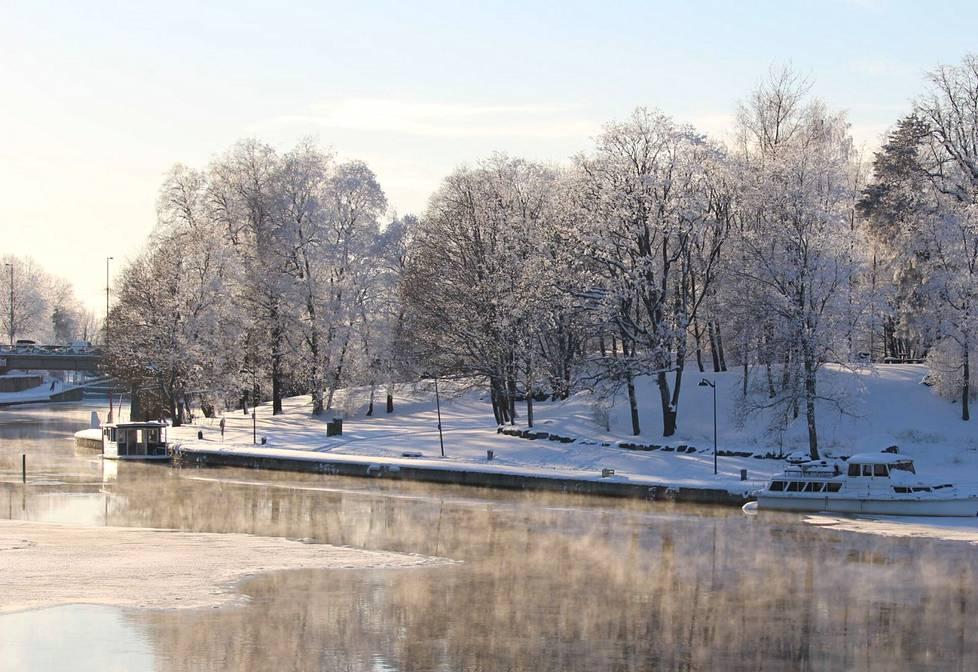 Seppo Uusitalo lähetti Valkeakosken Sanomiin upean maisemakuvan Lepänkorvan puistosta.