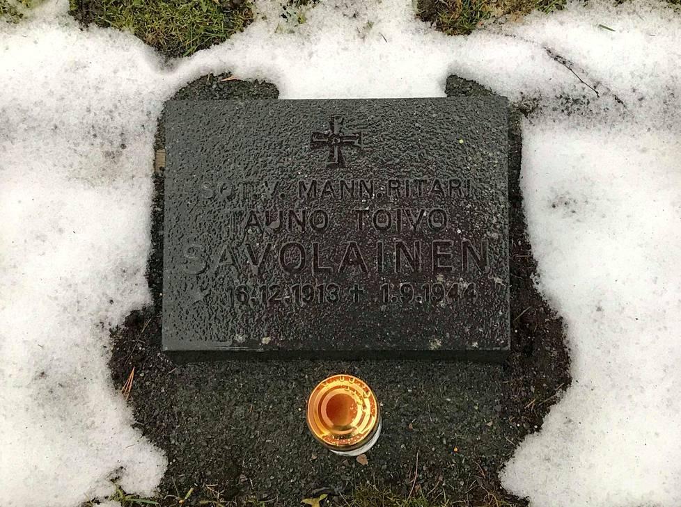 Moni Jämsän hautausmaakierroksille osallistunut on yllättynyt kuultuaan sankarihautausmaan harvinaisesta sotasankarista. Mannerheim-risti myönnettiin jatkosodan aikana 191:lle Suomen armeijan valiosotilaalle.