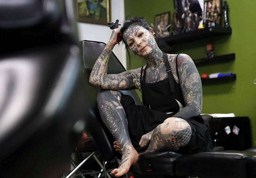 Aleksandra Säävälä otti ensimmäisen tatuointinsa 18-vuotiaana.