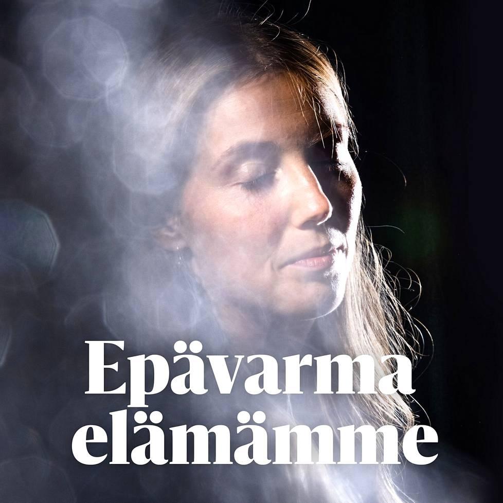 """""""Suomalaisen lohdutuskulttuurin leimaava piirre on, että yritetään saada tilanne näyttämään paremmalta"""", sanoo Miranda Koskinen."""