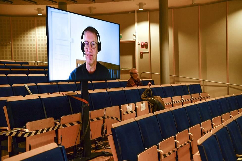 Ruotsin kansanterveysviraston pääepidemiologi Anders Tegnell esiintyi lehdistötilaisuudessa videolla tiistaina.
