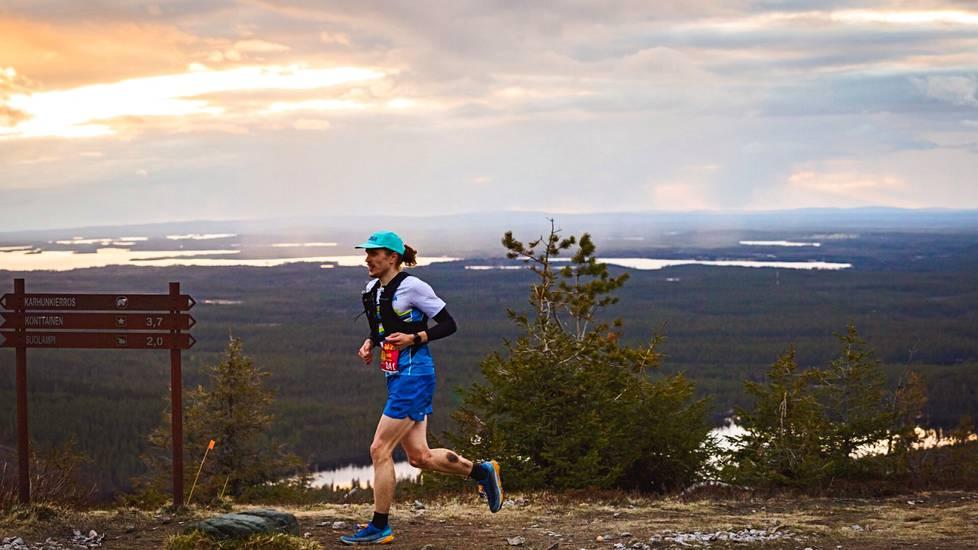 Juho Yliselle kertyy juoksukilometrejä lähes 10000 vuodessa. Toukokuussa hän osallistui NUTS Karhunkierrokselle.